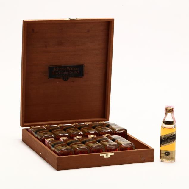 johnnie-walker-blended-scotch-whisky-black-label-miniature-set-in-wood-case