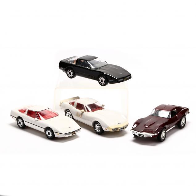 jim-beam-kentucky-straight-bourbon-whiskey-corvette-decanter-collection